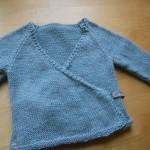 modele tricot bébé cache coeur #5