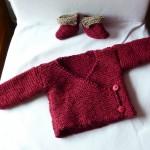 modele tricot bébé cache coeur #9