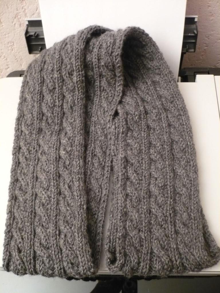 patron tricot foulard torsade. Black Bedroom Furniture Sets. Home Design Ideas