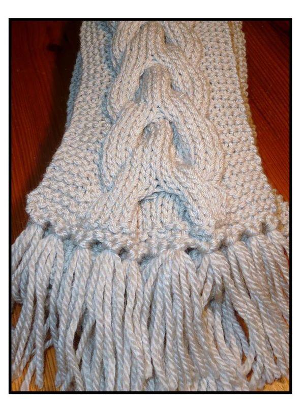 aab7a15180f8 patron tricot foulard torsade