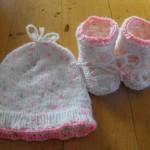 photo tricot comment tricoter un bonnet pour bébé 15