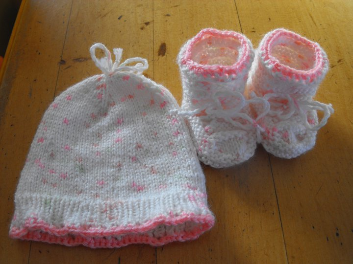 Photo tricot comment tricoter un bonnet pour b b 15 - Comment tricoter un bonnet pour bebe ...