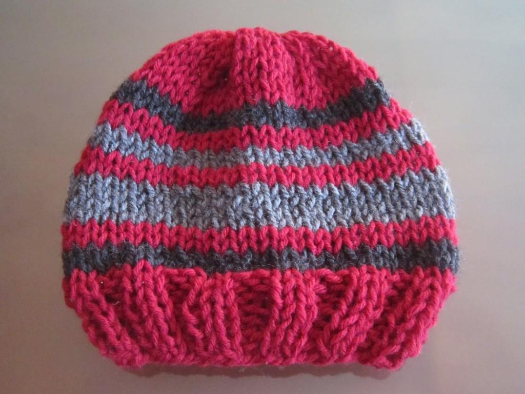 photo tricot modèle tricot bebe quentinho 13