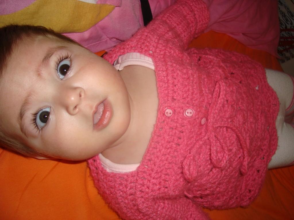 photo tricot modèle tricot bebe quentinho 4