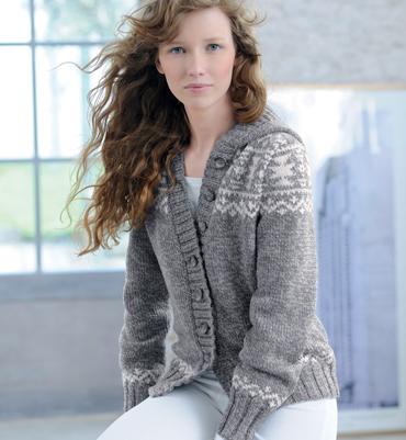 photo tricot modèle tricot gilet capuche fille 6