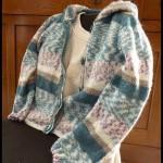 photo tricot modèle tricot gilet capuche fille 8