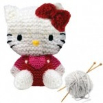 photo tricot modèle tricot hello kitty musical plush 3