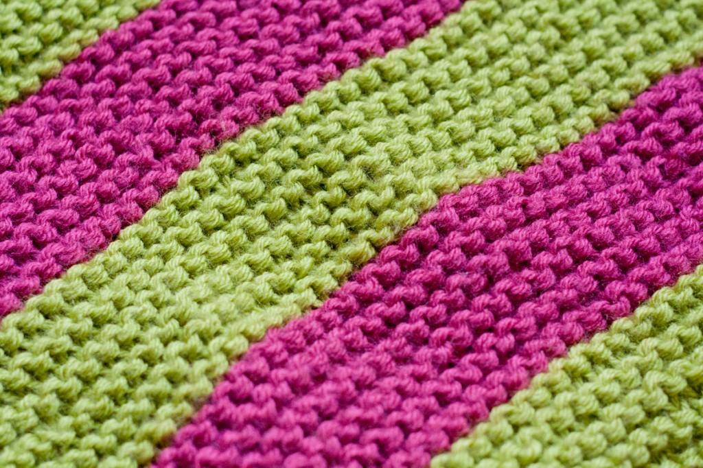 photo tricot modele de tricot pour bebe couverture 7