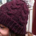 photo tricot modele tricot bonnet femme torsade 16