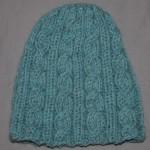 photo tricot modele tricot bonnet femme torsade 2
