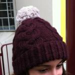 photo tricot modele tricot bonnet femme torsade 6
