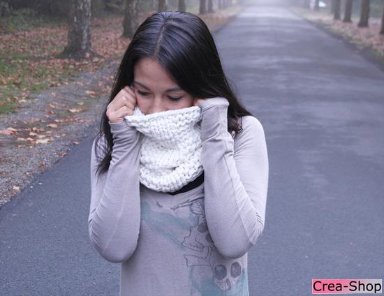 photo tricot modèle tricoté tour de cou main 16