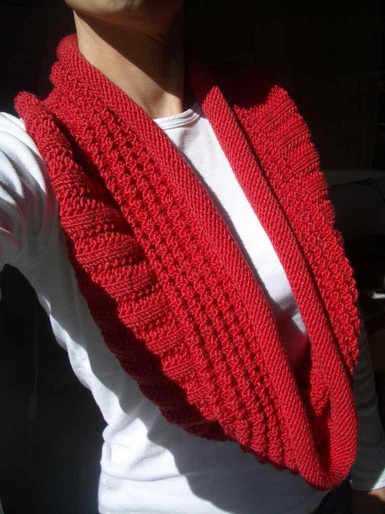 photo tricot modèle tricoté tour de cou main 18