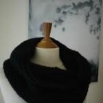 photo tricot modèle tricoté tour de cou main 9