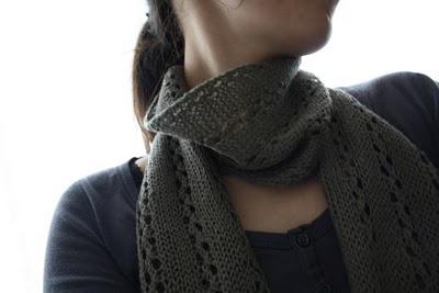 photo tricot modèle tricot écharpe ajourée 14