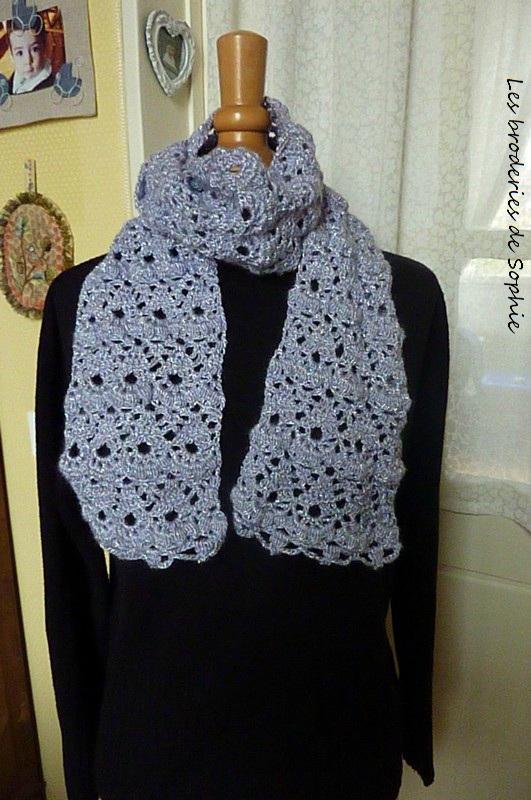 photo tricot modèle tricot écharpe ajourée 5