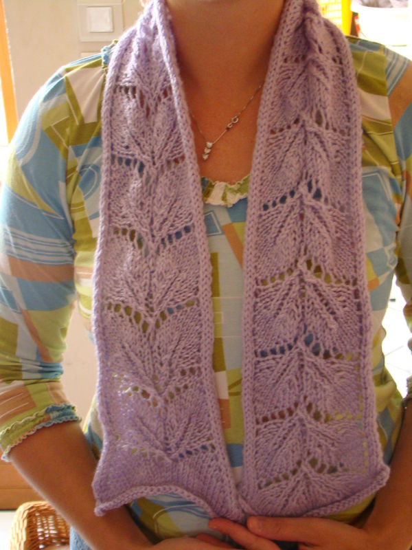 photo tricot modèle tricot écharpe ajourée