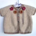 photo tricot modèle tricot bébé top down 15