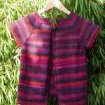 photo tricot modèle tricot bébé top down 17
