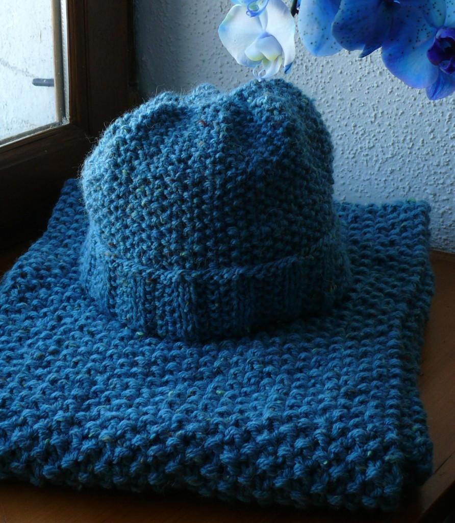 photo tricot modèle tricot bonnet écharpe femme 7