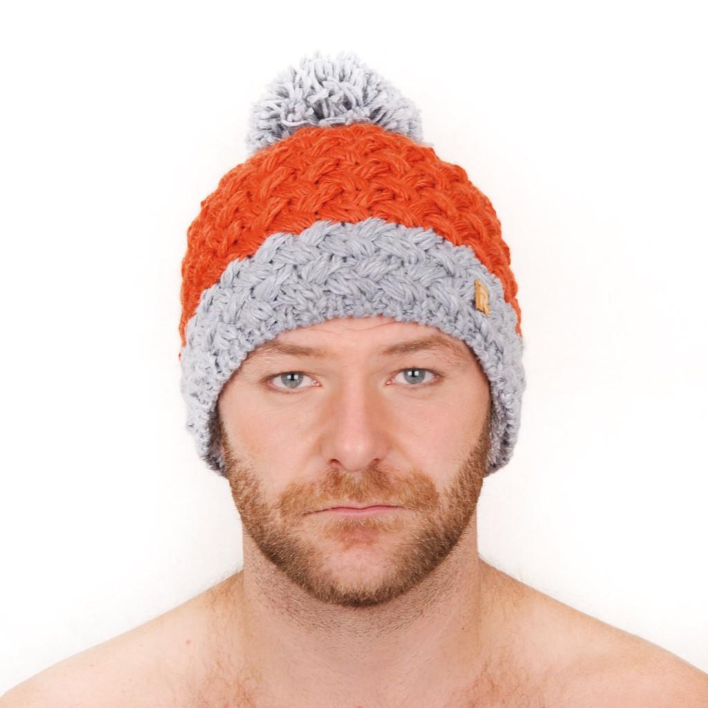 photo tricot modèle tricot bonnet homme avec pompon