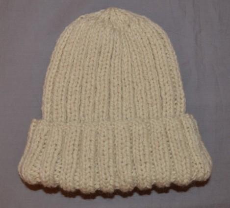 photo tricot modèle tricot bonnet homme avec pompon 15
