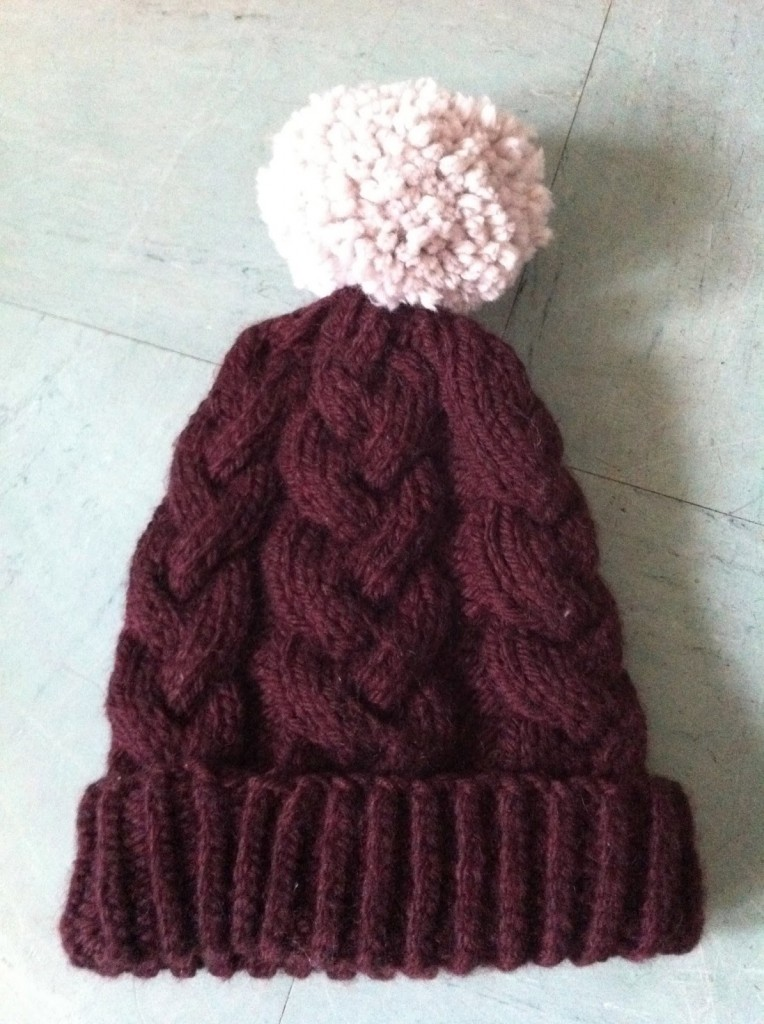 photo tricot mod le tricot bonnet homme avec pompon 16. Black Bedroom Furniture Sets. Home Design Ideas
