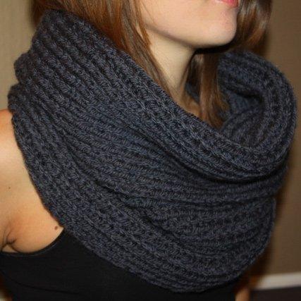 photo tricot modèle tricot facile snood gratuit 2