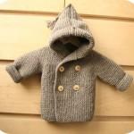 photo tricot modèle tricot gilet capuche bébé 11