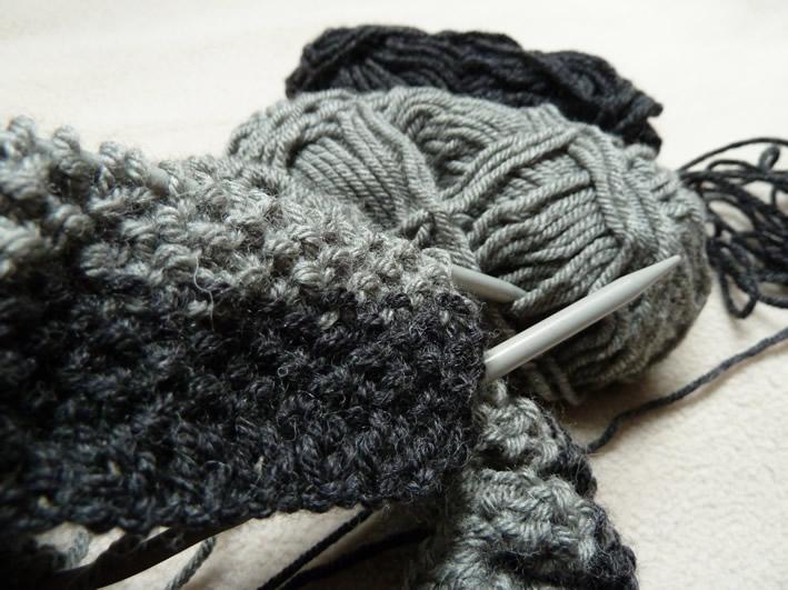 Photo tricot mod le tricot point de riz rentrer fils 15 - Rentrer les fils tricot ...