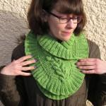 photo tricot modèle tricot tour de cou torsade 18