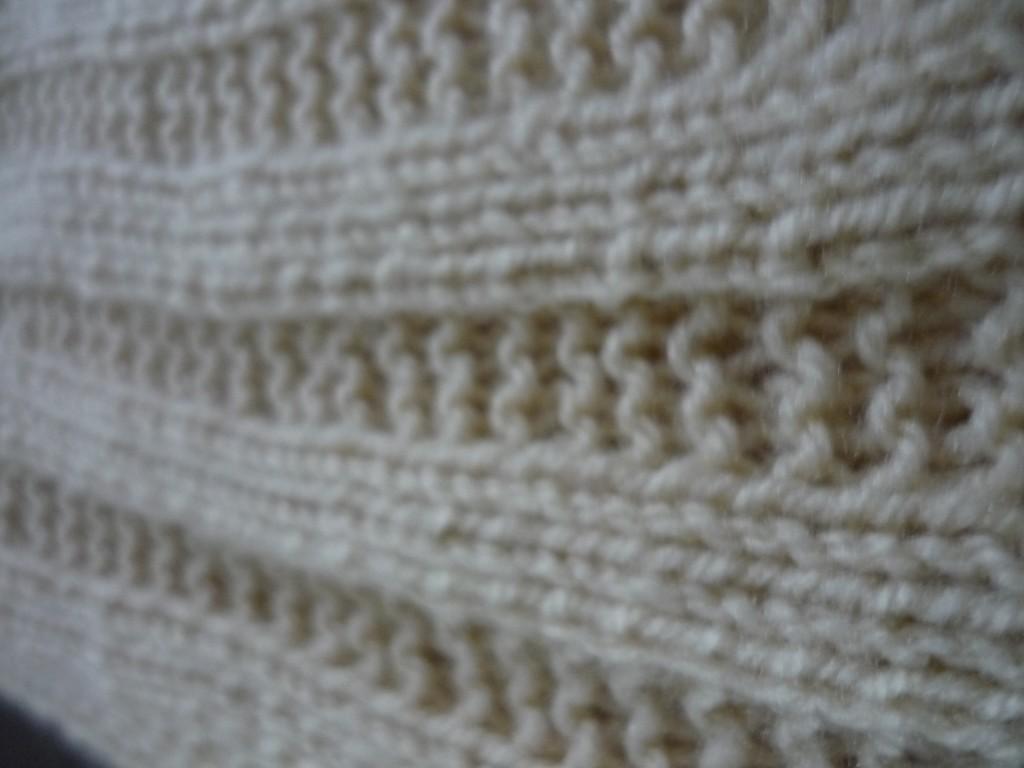 photo tricot modèle tricoter bébé une couverture 17