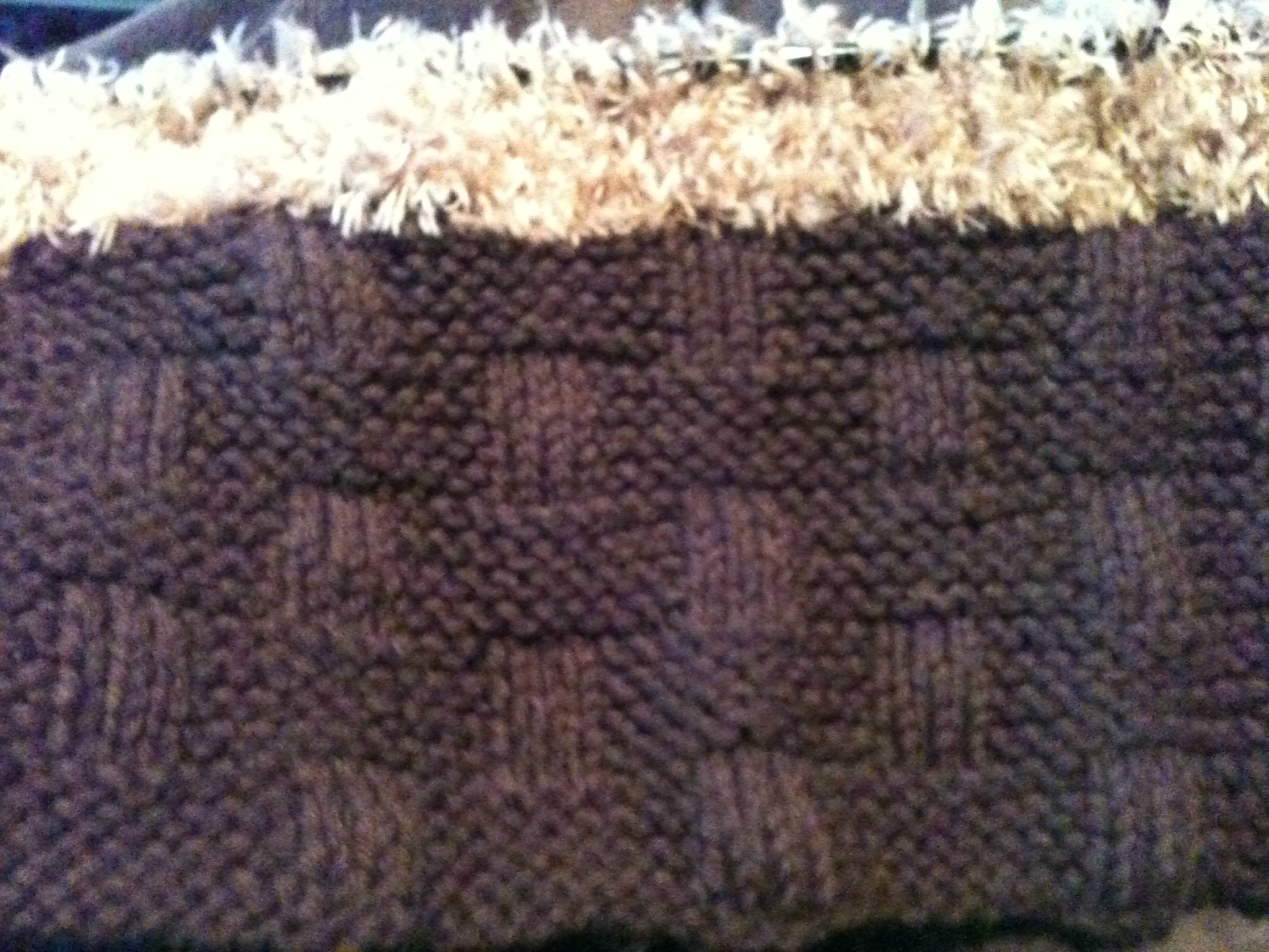 Mod le tricoter b b une couverture - Tricot avec les bras couverture ...