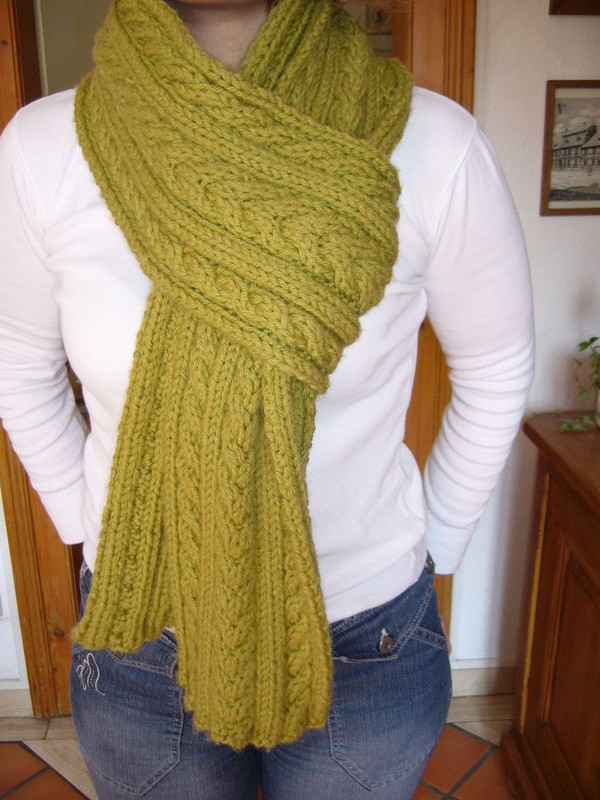 tricoter une echarpe avec torsade
