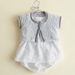 photo tricot modele gratuit tricot layette gilet 17