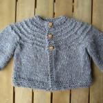 photo tricot modele gratuit tricot layette gilet 2