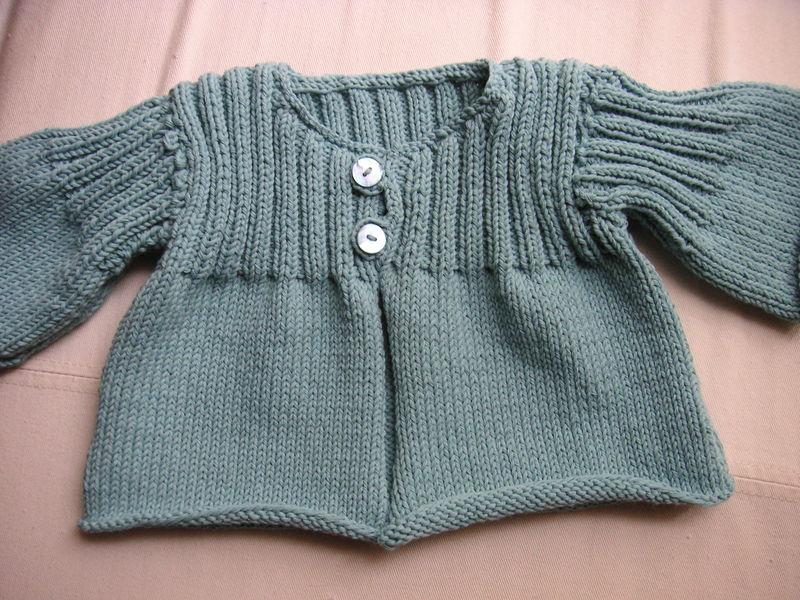 photo tricot modele gratuit tricot layette gilet 8