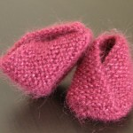 photo tricot modele tricot bebe chaussons 14