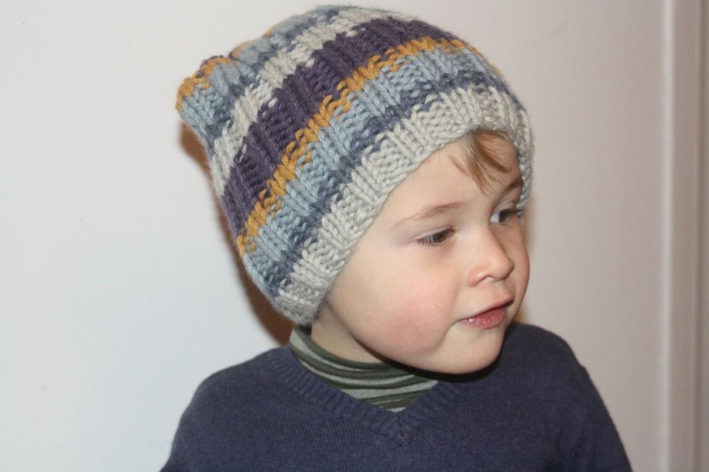 photo tricot modele tricot bonnet bebe fille 11