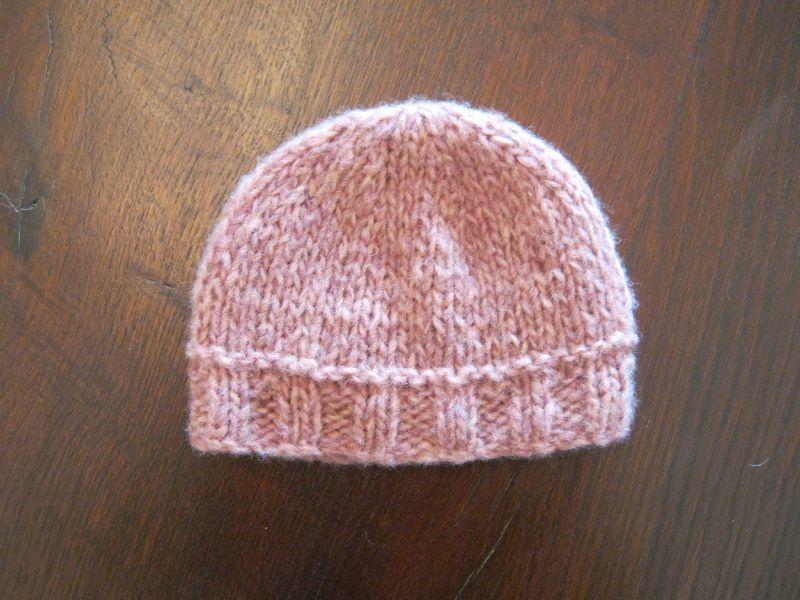 modèle tricot bonnet bébé naissance