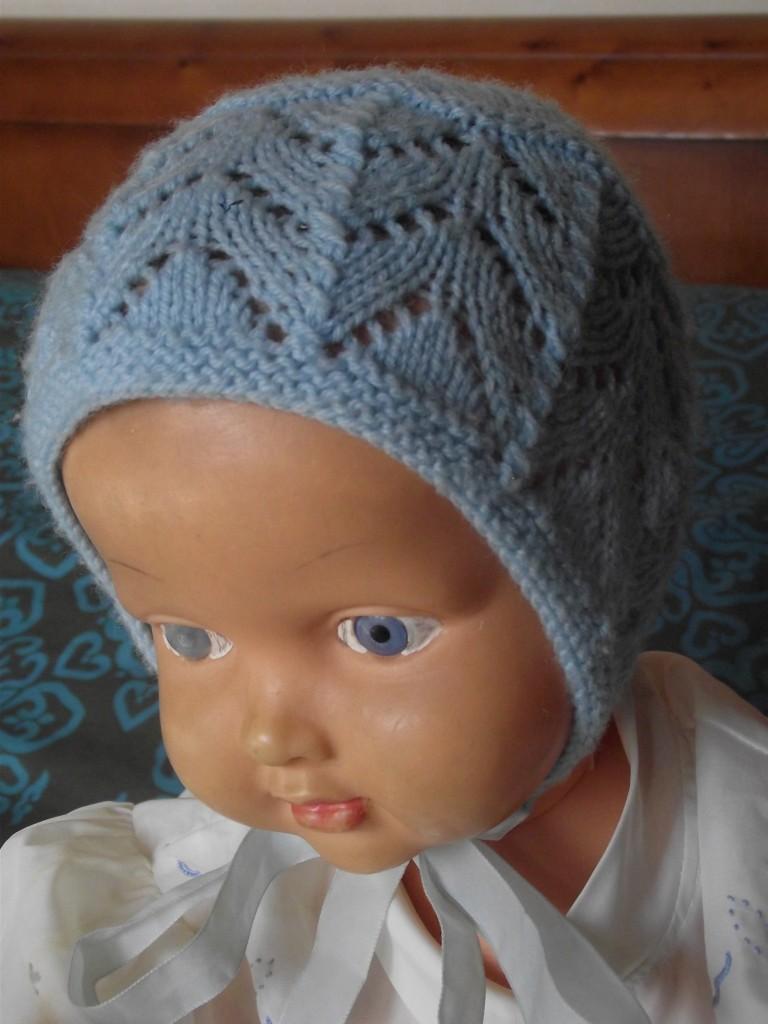 photo tricot modele tricot bonnet bebe naissance 13