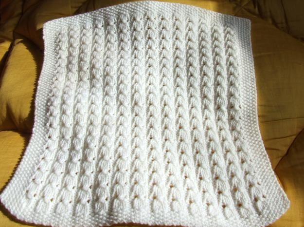 modèle couverture bébé tricot crochet