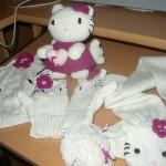 photo tricot modele tricot echarpe hello kitty