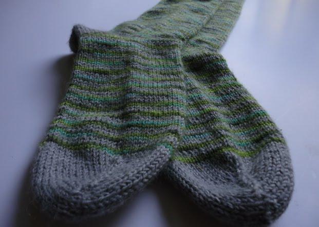 Photo tricot modele tricot facile chaussette 7 - Modele mitaine tricot facile ...