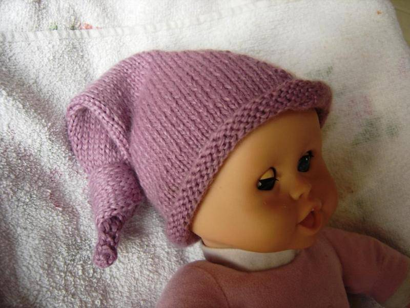 """CHAPITRE 20  Bonnet bébé """"lutin"""". Modèle gratuit.  L'atelier tricot de"""