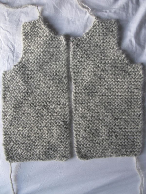 photo tricot modele tricot pull sans manche bebe 6