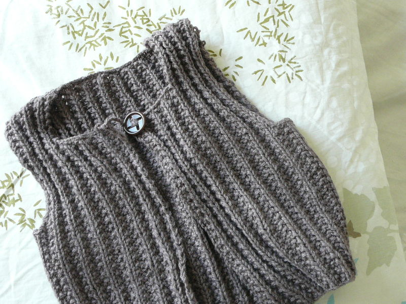 photo tricot modele tricot pull sans manche bebe 9