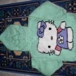 photo tricot modele tricoter pull hello kitty 17